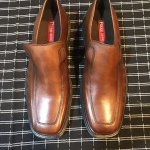 New pair of men's Shoes by BASS